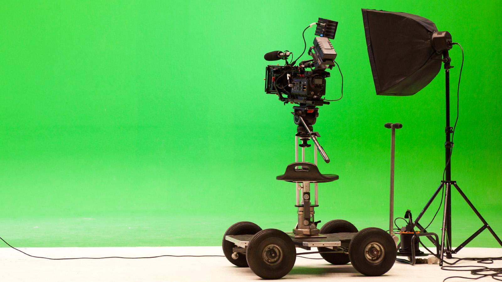 FILMPRODUKTION Wir machen Ihr Unternehmen reif für´s Kino. WEITERE INFOS